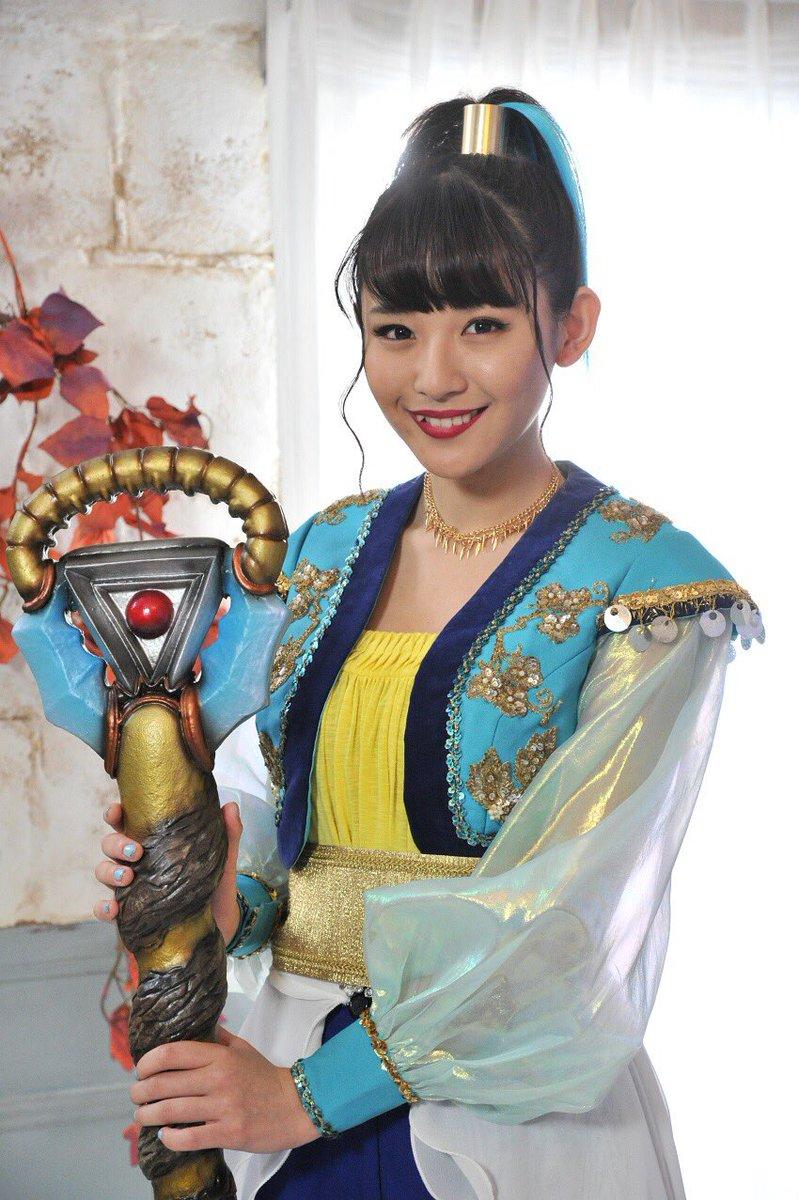 『4週連続スペシャル スーパー戦隊最強バトル‼︎』出演者新情報の解禁ティラ〜浅川梨奈さんが超重要な役、「謎の少女・リタ」として登場するよん。キュートで謎めいた浅川リタ…梨奈さんからも目が離せないティラ〜♬…