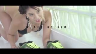 """久松かおり Kaori Hisamatsu x KIKS TYO Nike Dunk SB """"Jedi"""" Tee"""