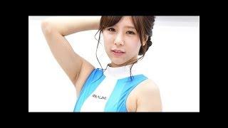 前の湯布前使用の夏元麻美さんは、超ハイレグの水着を見せつけます